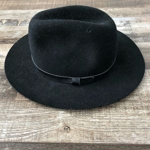 black felt hat by H&M